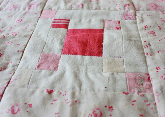 dolly quilt centre block